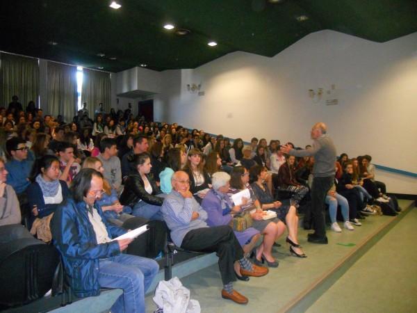 Marc Kelly Smith al Liceo Manzoni di Varese oggi, lunedì 5 maggio