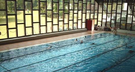 Un 39 estate senza la piscina di via copelli varese polis - Piscina busto arsizio ...