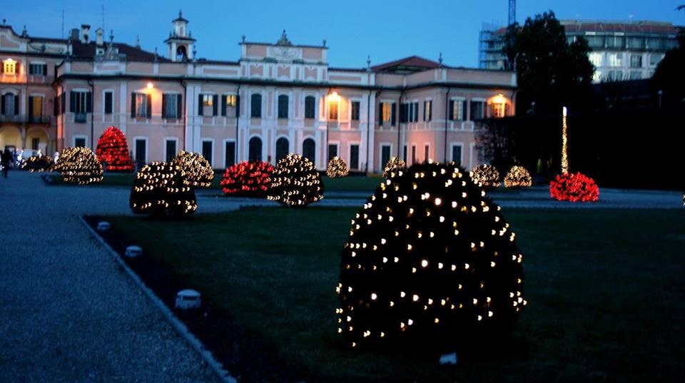 Il Natale a Varese si accende venerdì 4 dicembre. Tutto è pronto per  salutare le feste e dare il via al periodo più atteso  dall Albero di  piazza Monte ... 6a221b32702c