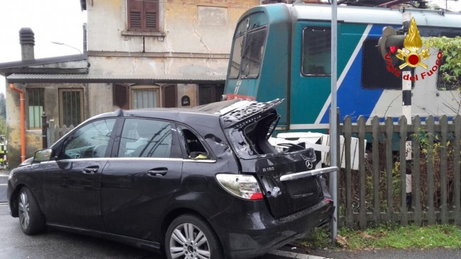 incidente-auto-treno