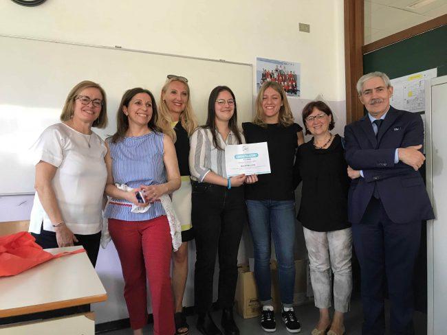 Studentessa del Liceo Linguistico vince una borsa di studio: un anno ...